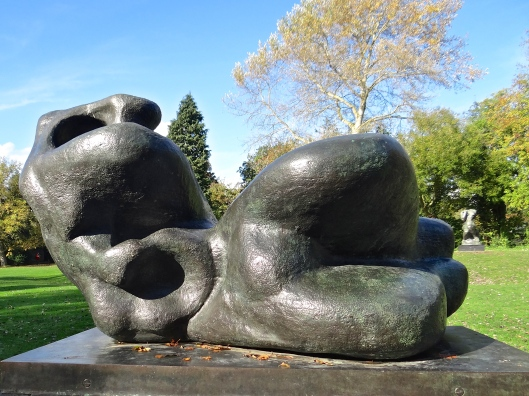 Reclining Figure: Bunched - HM